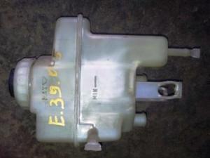 Бачок тормозной жидкости бмв е39