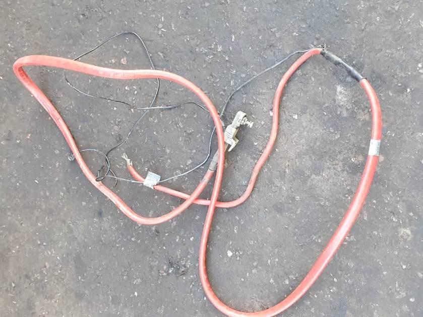 Плюсовой провод по днищу бмв е60