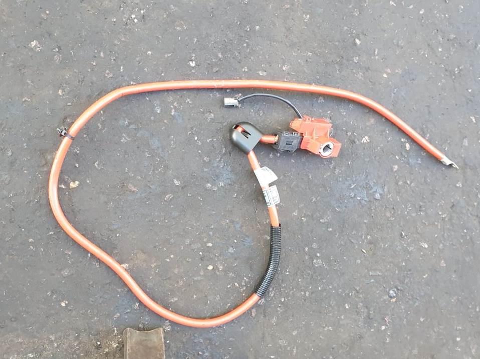 Плюсовой провод на аккумулятор с пиропатроном бмв е60